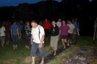 Активісти Закарпатської Української партії спільно з ужгородцями ходили по розпеченому вугіллю